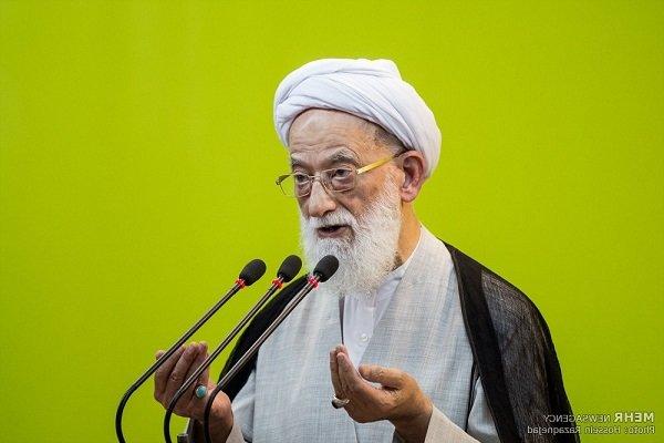 خطيب طهران المؤقت: السعودية تجند الأراذل والأوباش في سوريا والعراق