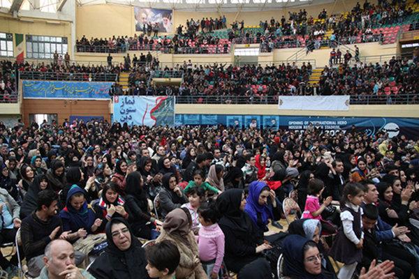 جشنهای انقلاب در شهرستانهای مختلف لرستان برگزار میشود
