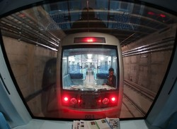 بروز نقص فنی درخط یک قطارشهری مشهد/تخلیه اضطراری مسافران