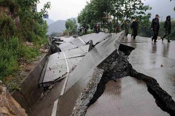 انهيار مباني عدة نتيجة زلزال بقوة 6.4 ضرب تايوان