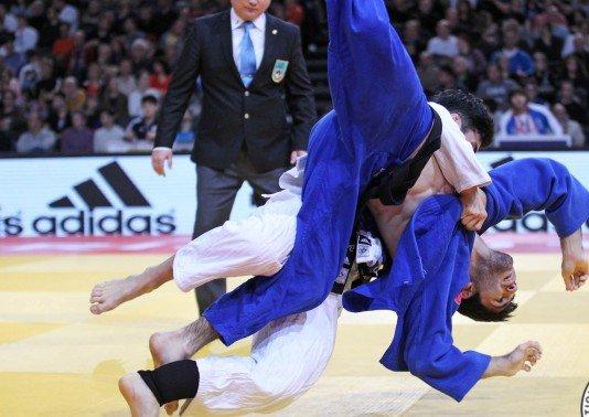 Judo practitioners en route to Uzbekistan