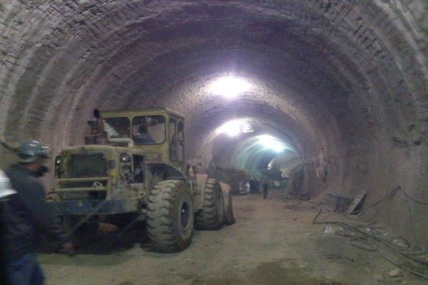 نشت آب به داخل تونل خط ۶ مترو تهران
