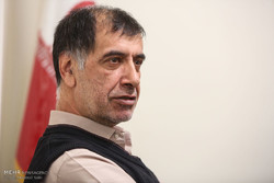 برخی نمایندگان مجلس هیچ خط مشخصی ندارند/ از حزب لاریجانی استقبال میکنم
