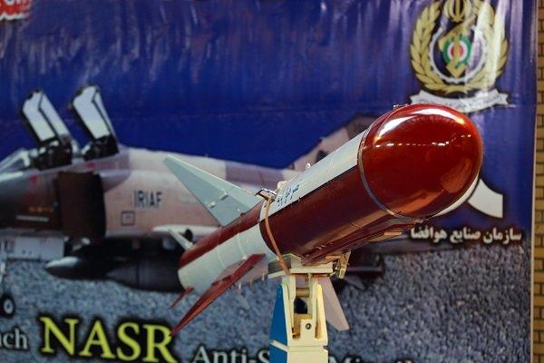 """وزارة الدفاع: تسليم القوة الجوية للجيش الايراني صاروخ كروز من طراز """"نصر"""""""