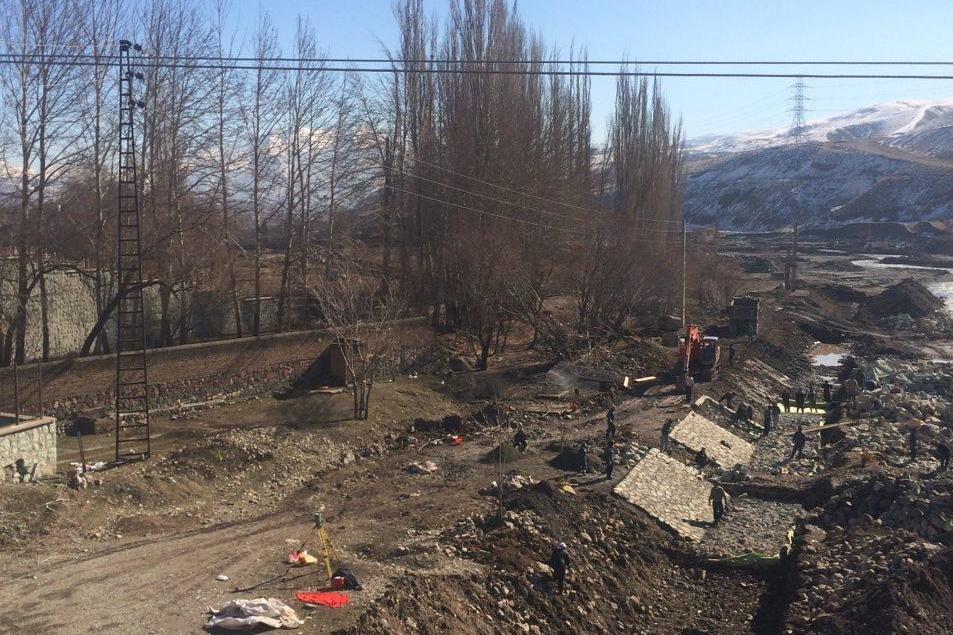 فعالیت شبانهروزی برای تخریب رودخانه جاجرود/ دستور توقفی که اجرا نشد