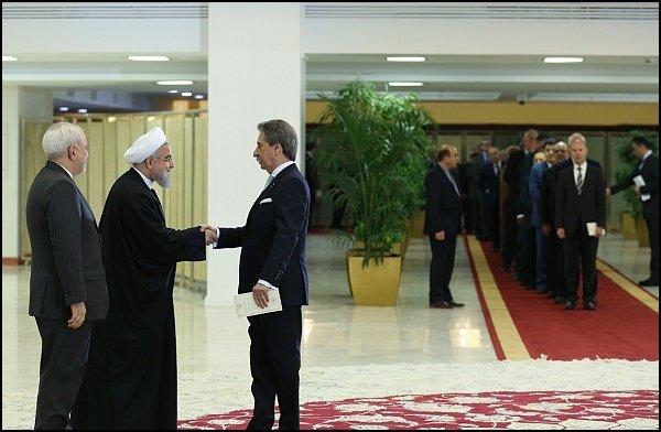 السفراء الأجانب يهنئون الشعب الايراني بذكرى انتصار الثورة الاسلامية