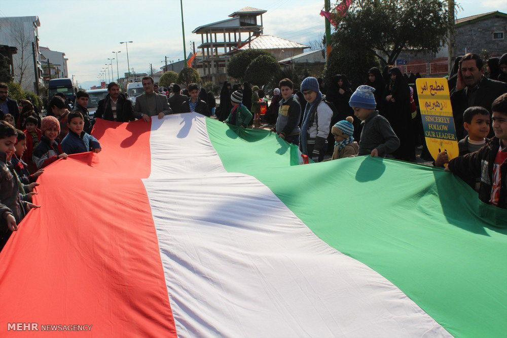 راهپیمایی یوم الله ۲۲ بهمن در شهر کلاچای رودسر
