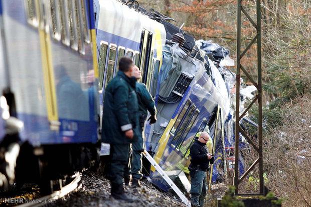 ممبئی میں مسافر ٹرین کی زد میں آ کر 4 مزدور ہلاک