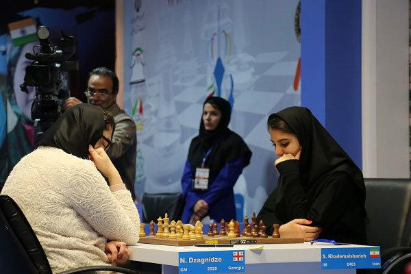 طراحی لباس ویژه برای بانوان ملیپوش شطرنج ایران