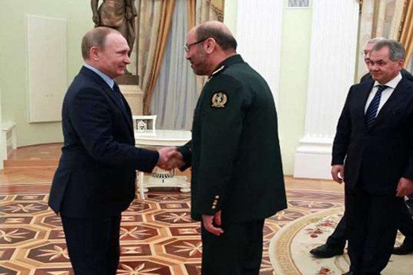 وزير الدفاع يلتقي الرئيس الروسي ويبحث معه التعاون الاقليمي
