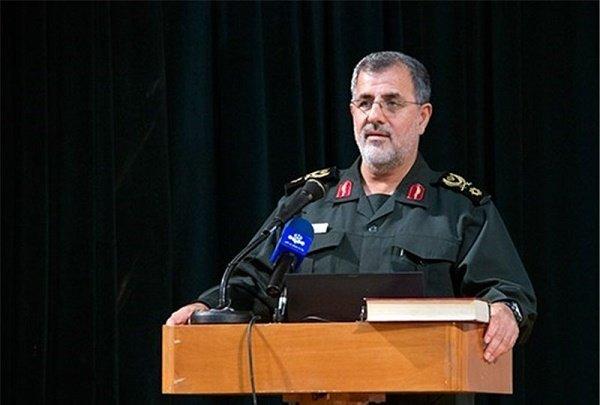 باكبور: القدرات الدفاعية للجيش والحرس الثوري ردعت الأعداء
