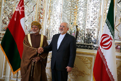 Zarif meets Omani counterpart in Tehran