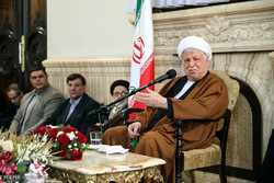 Accademicians meet with Hashemi Rafsanjani