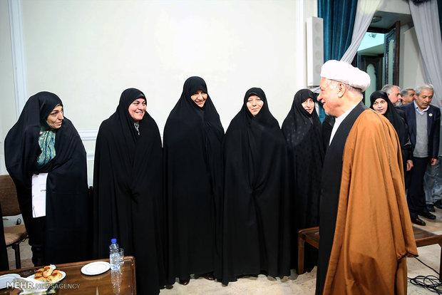 لقاء مرشحي التيارين الاصلاحي والمعتدل مع آية الله هاشمي رفسنجاني