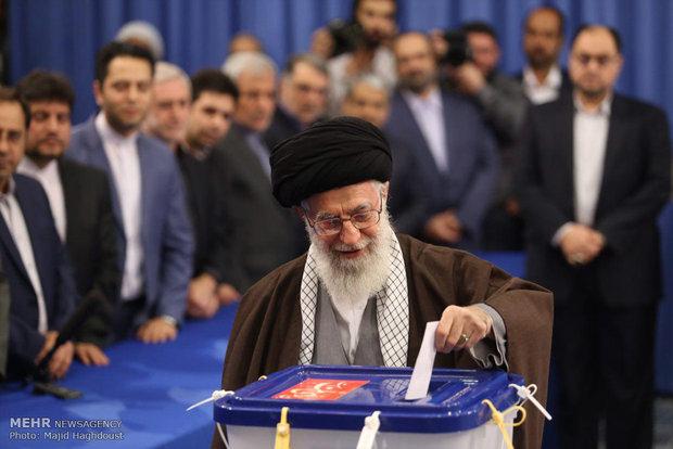 Leader casts vote in ballot box