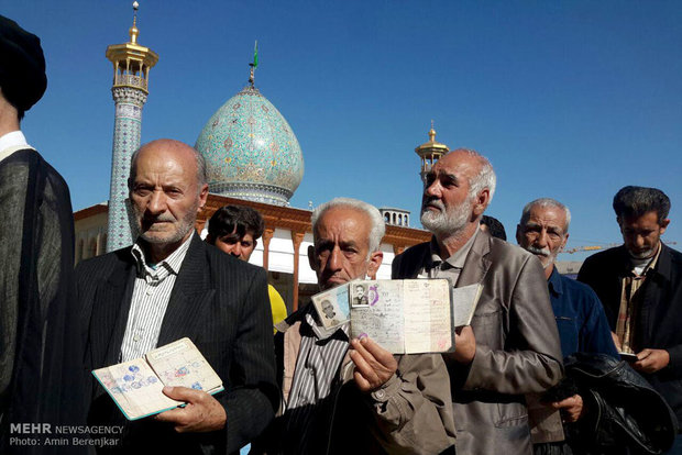 Shirazi voters turn out in big numbers