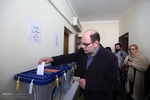 مشاركة الاقليات الدينية في الانتخابات الايرانية