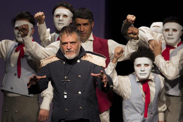 خسرو شهراز : نمیخواهم از تئاتر دور شوم