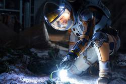 «مریخی» برای زنده ماندن میجنگد/ فائق آمدن انسان بر فضا