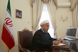 روحاني يهنئ نظيره الاوكراني بمناسبة اليوم الوطني لبلاده