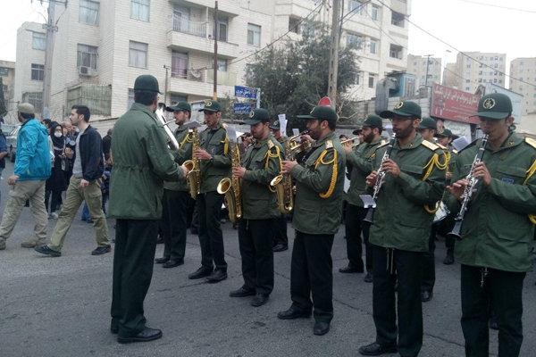 2012782 - با حضور مردم و مسئولان پیکر فرجالله سلحشور در خاک آرام گرفت