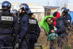 آتش زدن چادرهای مهاجران در فرانسه