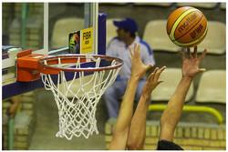 رقابت تیم های بسکتبال نبوغ اراک و کوچین آمل در لیگ دسته یک