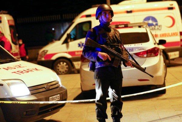 فلم/ ترکی کی پولیس چوکی پر 2 سنی کرد خواتین کا حملہ