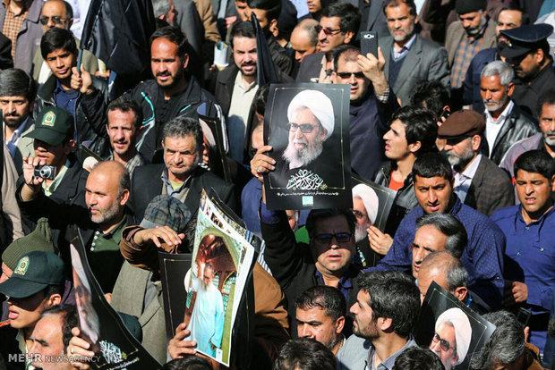 مراسم تشییع و اقامه نماز بر پیکر آیتالله واعظ طبسی با حضور رهبر انقلاب