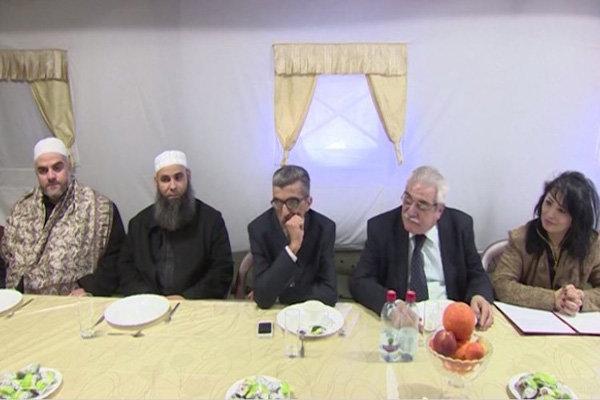 أطراف سورية تناقش مسألة المصالحة في قاعدة عسكرية في اللاذقية