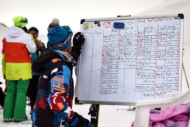 مسابقات کشوری اسکی آلپاین بانوان در سپیدان استان فارس