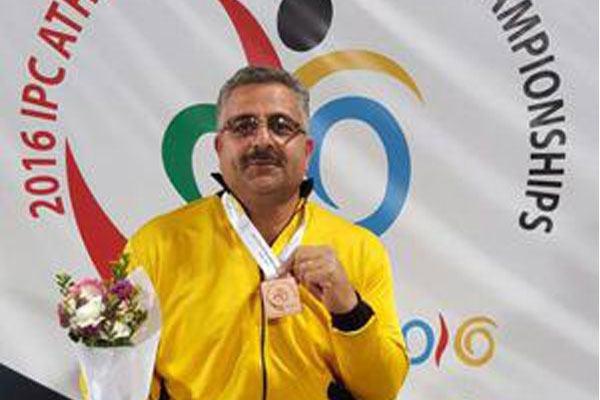 کاروان ایران در اولین روز مسابقات سه نشان رنگارنگ گرفت
