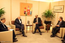 دیدار محمد جواد ظریف وزیر خارجه با تارمان شانموگاراتنام معاون نخست وزیر در امور اقتصادی و اجتماعی و رئیس بانک مرکزی سنگاپور