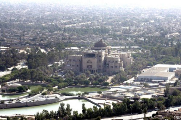 العربیه مدعی حمله راکتی به منطقه سبز بغداد شد