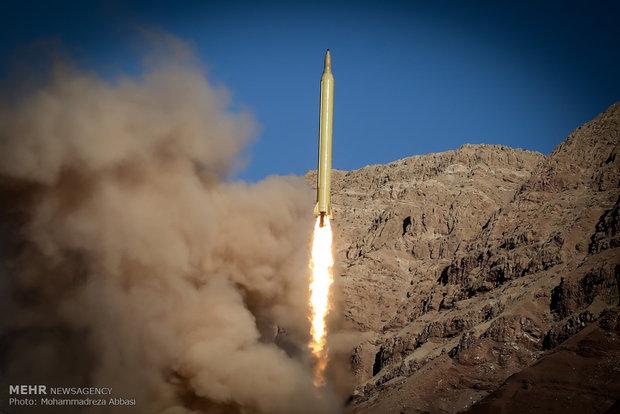 النواب الايرانيون يلزمون الحكومة بتطوير القدرات الصاروخية للبلاد
