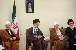 قائد الثورة : حروب المنطقة دوافعها سياسية ويجب عدم تحويلها الى خلافات طائفية