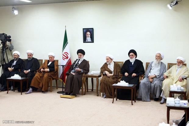 لقاء اعضاء مجلس خبراء القيادة مع قائد الثورة الاسلامية
