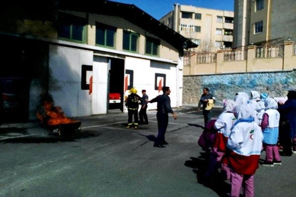 برگزاری کلاس آموزشی مقابله با حوادث چهارشنبه آخر سال در اسکو