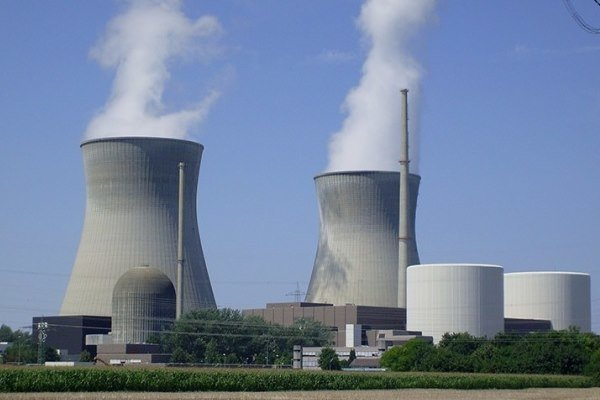 ايران تنشئ ثلاث محطات كهربائية في كازاخستان