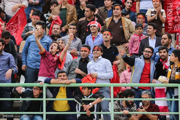 دیدار تیمهای فوتبال صبای قم و پرسپولیس
