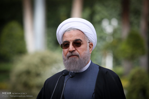 رئيس الجمهورية يتفقد معرض انجازات الصناعة النووية الايرانية