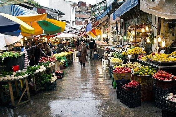 روزهایی که «بازارِ رشت» سرشار از شور زندگی است