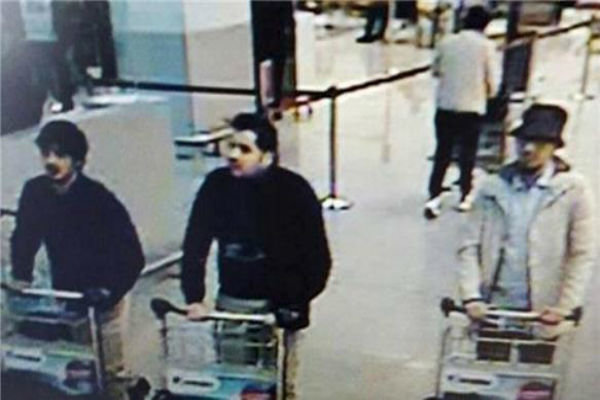 الشرطة البلجيكية اصدرت مذكرة توقيف ضد مشتبه به في تفجيرات بروكسل