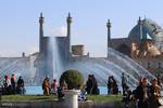 مسافران نوروزی در میدان نقش جهان اصفهان