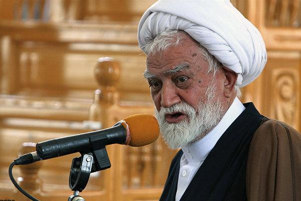 عظمت اسلام و انقلاب به بزرگداشت مراسم دینی است