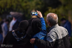 مسافران نوروزی در سعدیه و حافظیه شیراز