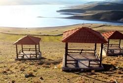 دیدار با دنیای سنتی در عصر مدرن /کمپ عشایری «گواب» خوسف میزبان مسافران