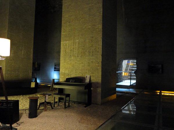 موسیقی زنده در موزه آب شیراز اجرا می شود