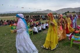 جشنواره غذاهای سنتی و صنایع دستی