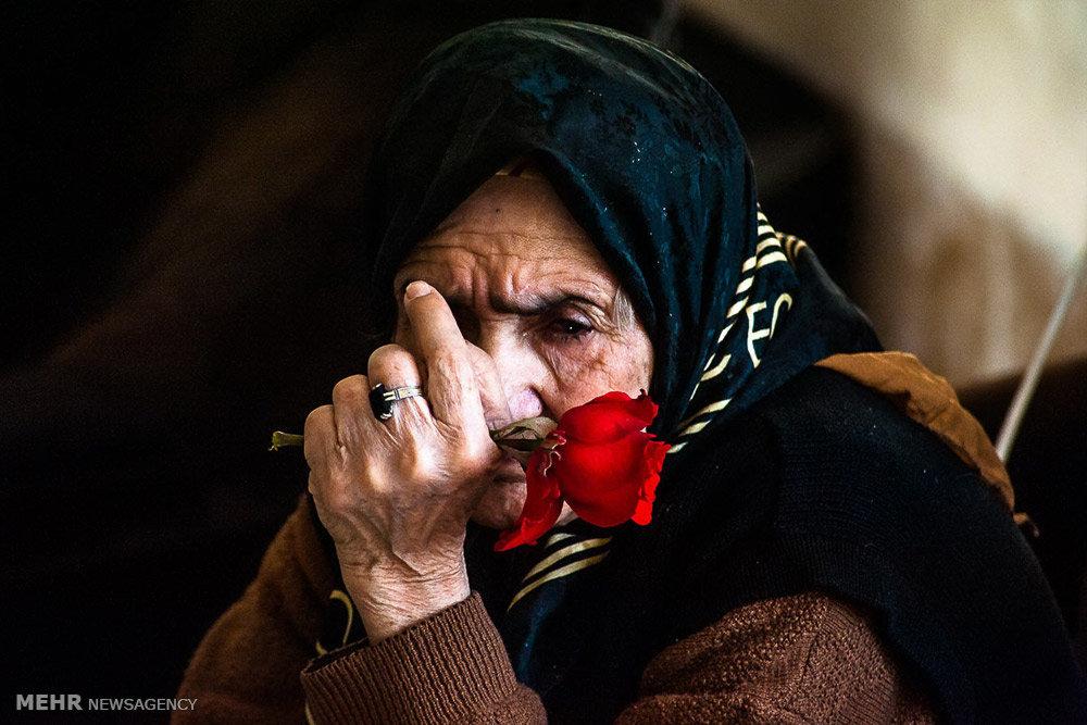 نتیجه تصویری برای عکس سالمندان در ایران